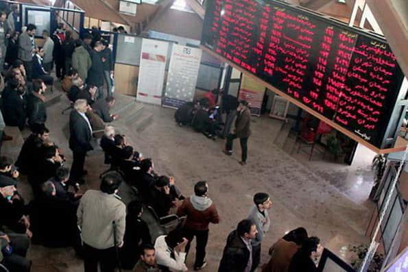 کاهش جذابیت بازار ارز و طلا موجب رونق بورس شد