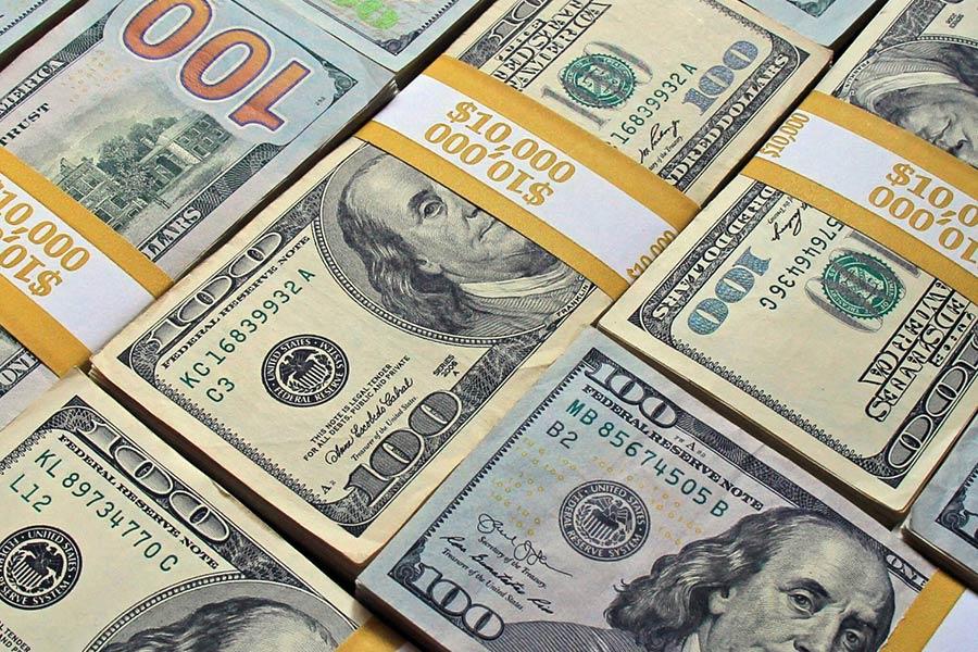 حرکت آرام دلار به سوی کانال ۱۶ هزار تومانی