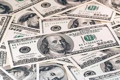 تداوم نوسان دلار در مرز ۱۳ هزار تومانی