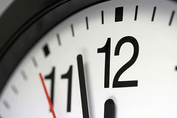 تغییر ساعت رسمی کشور از ساعت ۲۴ امشب