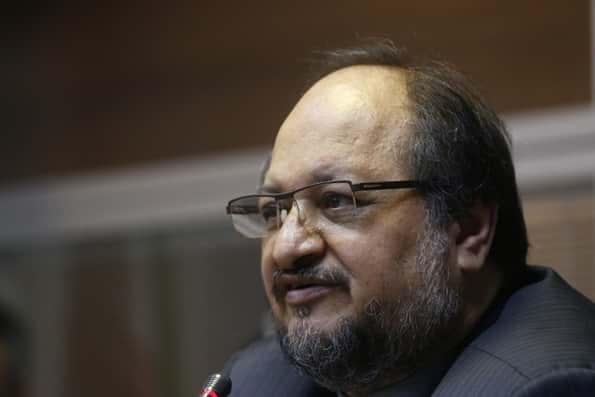 طرح استیضاح وزیر صنعت به هیات رییسه مجلس ارائه شد