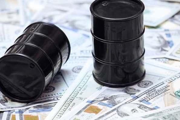 تحلیل بلومبرگ از تاثیر نفت 100 دلاری بر اقتصاد دنیا