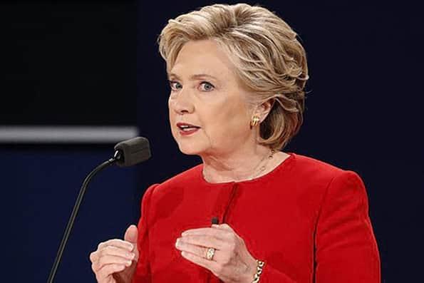 هیلاری کلینتون: ترامپ دموکراسی آمریکا را در بحران قرار داده است