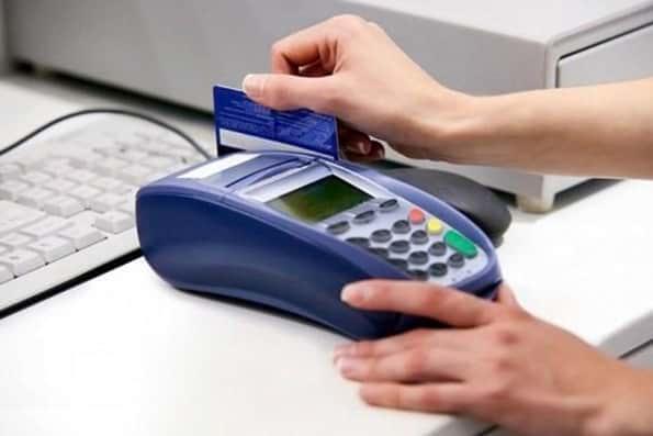 خدمات پرداخت بانکها همزمان با تغییر ساعت رسمی