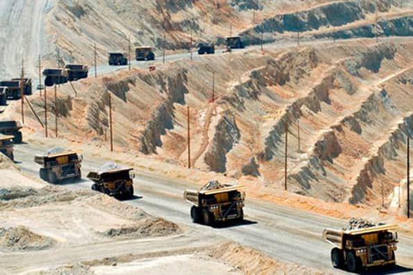 تولید 35 درصد از مواد اولیه فولاد كشور توسط معدن چادرملو