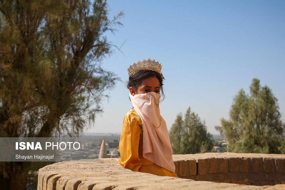 تاجگذاری دختر هفت ساله در خوزستان
