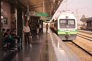 فاصله حركت قطارهاي خط ۵ در روز جمعه ۱۲ مهر ماه ۹۸ افزایش خواهد یافت