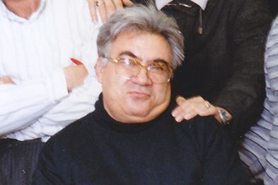درگذشت روزنامهنگاری که از پلههای قدرت بالا نرفت
