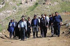 تسطیح جاده کوهستان الوند برای حفظ جان گردشگران